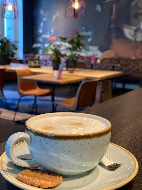 Kopje koffie bij Hotel Lion D'Or in Haarlem - Hotel tips in Haarlem van Foodinista voor een weekendje weg in Nederland
