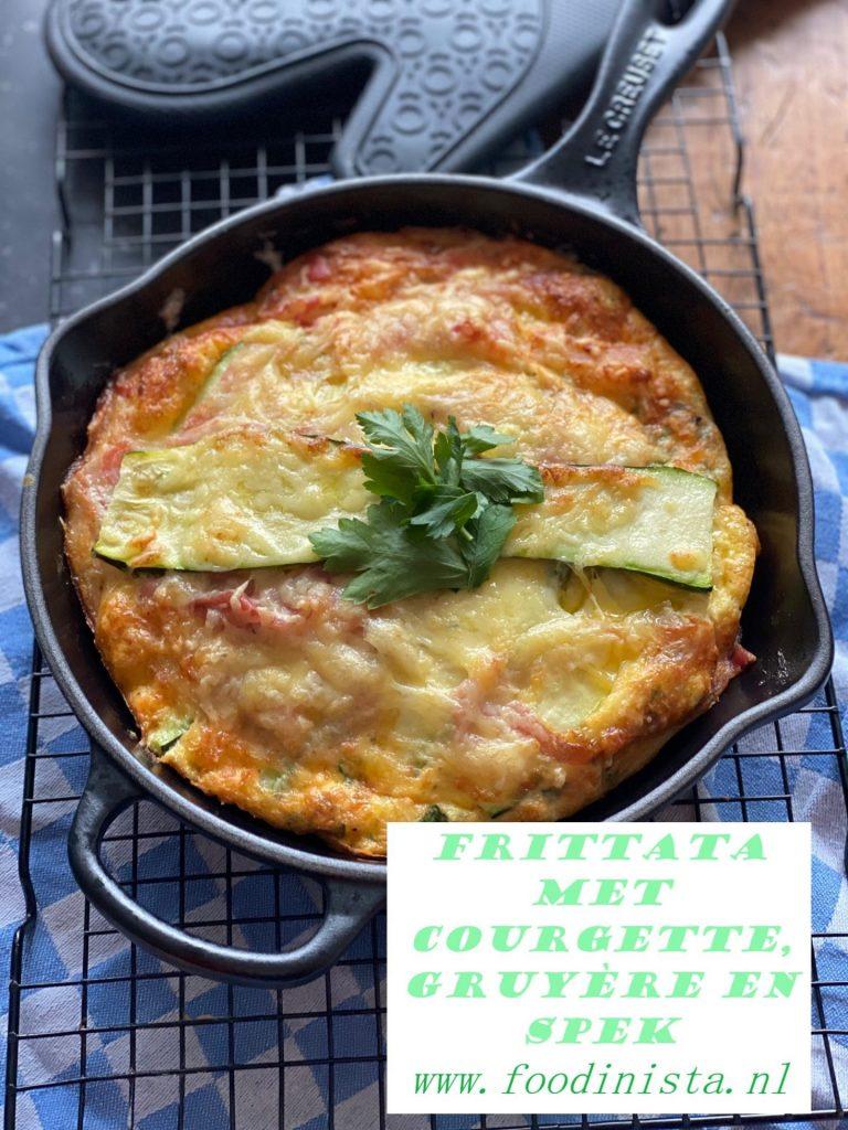 Frittata met Gruyere, spek en courgette - Ovenomelet recept van Foodblog Foodinista