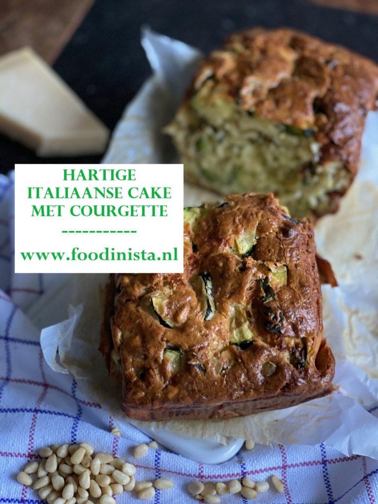 Italiaanse hartige cake met courgette, Parmezaanse kaas, pijnboompitjes en olijven - Recept van Foodinista