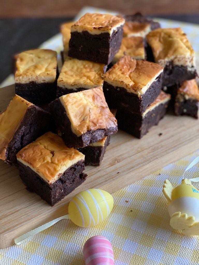 Cheesecake brownies met advocaat voor Pasen - Recepten voor Pasen van Foodblog Foodinista