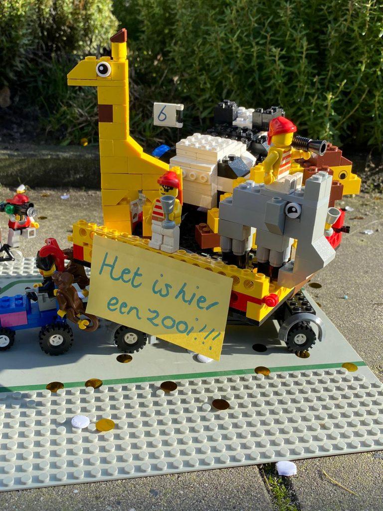 Carnavalswagen van Lego