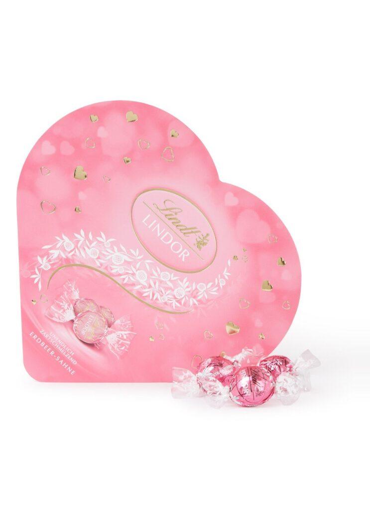 Lindt chocolade hart met aarbeiden bonbons - Moederdag cadeautjes tips voor foodies