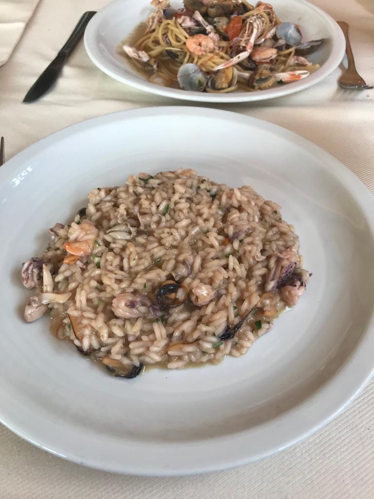 Lunchen in Livorno bij vis restaurant - Eten en drinken tips in Livorno Toscane