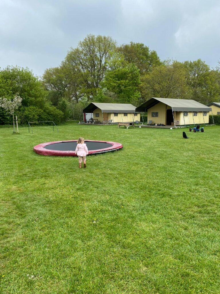 Overnachten bij Farmcamps Boerderij Sonneclaer - Vakantie tips met kinderen in Drenthe