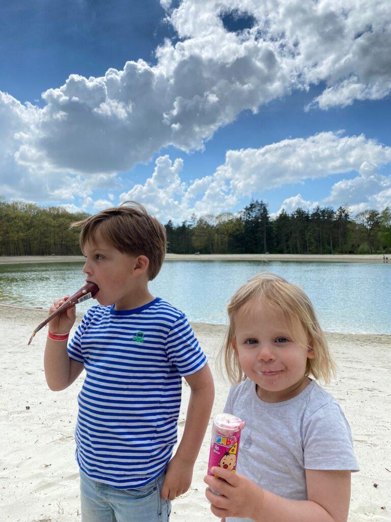 Lekker ijsje eten op vakantie in Drenthe