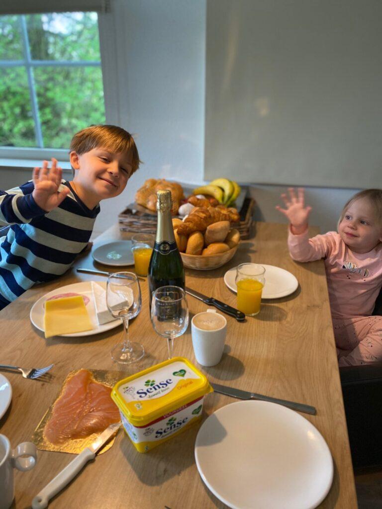 Wat doen we in een Center Parcs huisje? Gourmetten! - Vakantie tips met kinderen van Foodinista