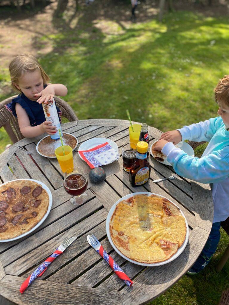 Pannenkoeken eten in Drenthe bij Pannenkoekenboederij Hoes van Hol-An - Vakantie tips in Drenthe - Foodinista