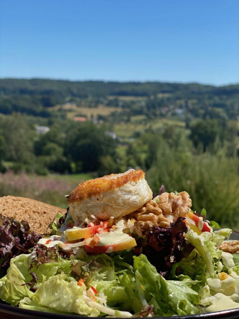 Salade met Limburgse Grottenkaas - Lunchen in Limburg - Brasserie Lodge Vaals
