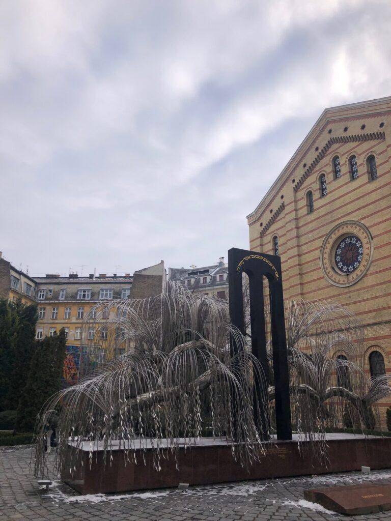 Synagoge en herdenkingsmonument